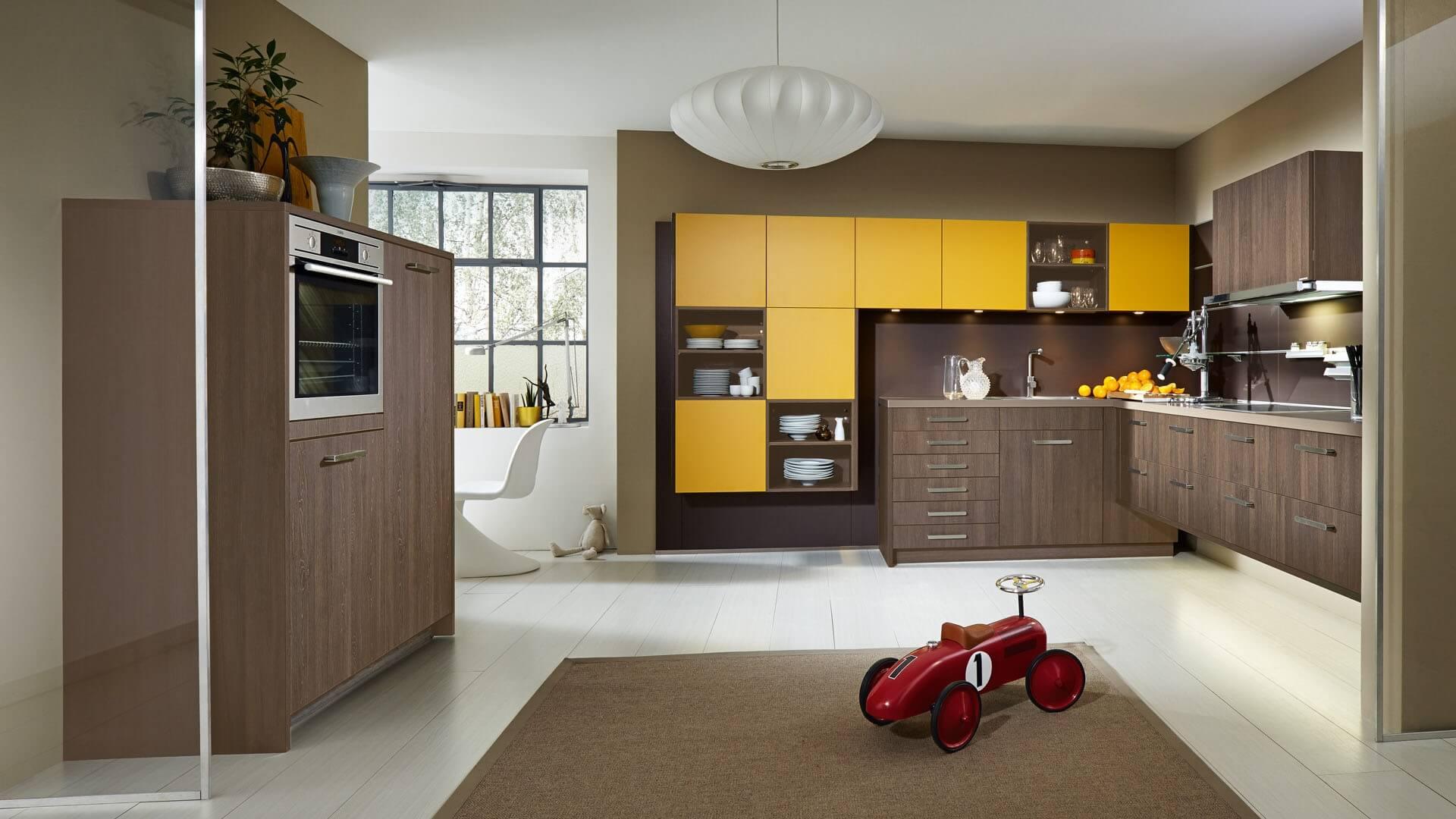 Moderne offene Küche für die ganze Familie